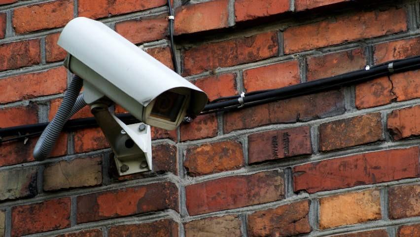Serwisowanie i montaż kamer monitoringu z podnośnika